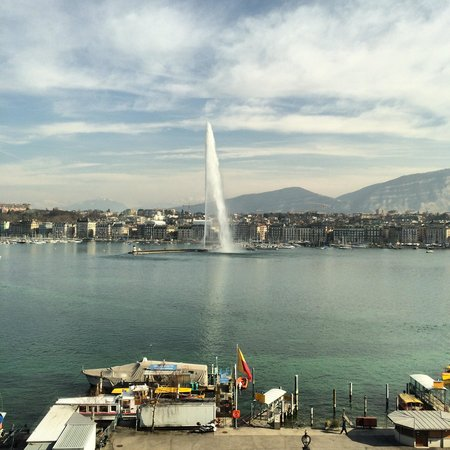 Grand Hotel Kempinski Geneva : Room with a view