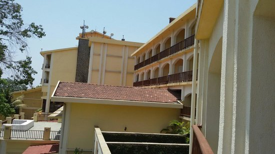 Fariyas Resort Lonavala: Resort area