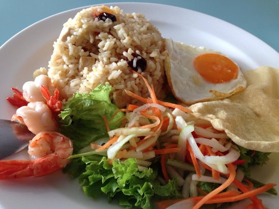 Marmalade Cafe & Boutique: Seriously overpriced plain fried rice