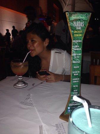 Carlos'n Charlie's Acapulco: Nochesita de tragos :)