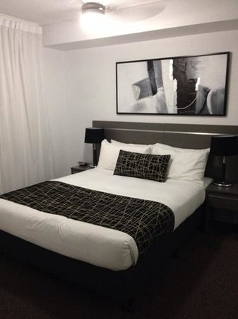 Central Kensington by Vivo: Bedroom in the one bedroom apartment