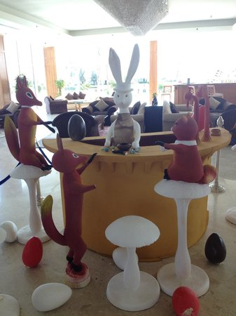 Maritim Jolie Ville Royal Peninsula Hotel & Resort: Easter decorations