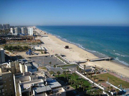 Leonardo Suite Tel-Aviv Bat-Yam : 15 этаж. Апрель 2014.