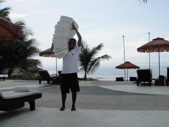 The Tongsai Bay : The best Beach Boy