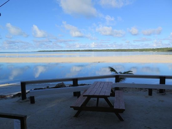 Aitutaki Village: View from restaurant