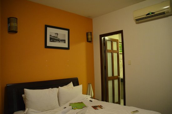 Little Saigon Corner Boutique Hotel: Standard room 1