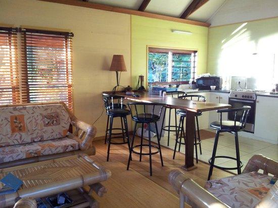 Chez Nono : Küche mit Sitzecke