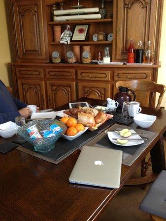 Miraumont, Γαλλία: Breakfast