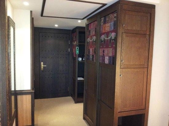 Lindner Park-Hotel Hagenbeck: Eingangsbereich im Zimmer