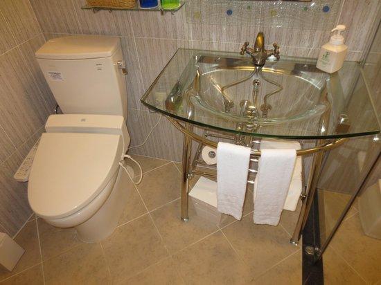 ベストウェスタン沖縄幸喜ビーチ, トイレ・洗面台