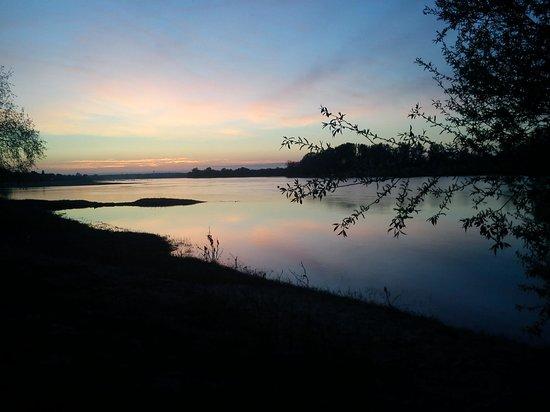 sarl auberge de la loire : Coucher de soleil à Montjean sur Loire