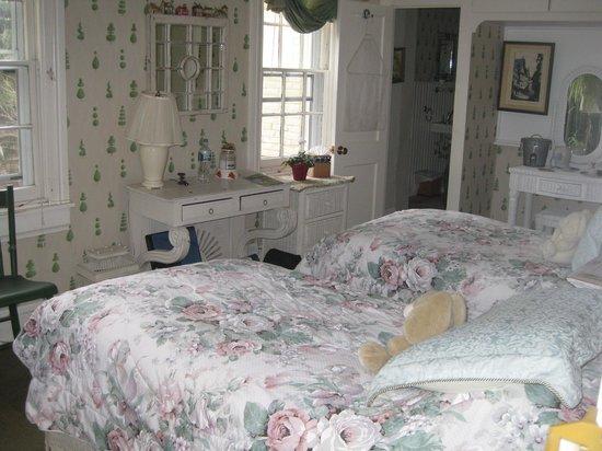The Pennsbury Inn: Longwood Room