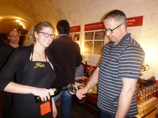 Wine cellar of the Moravian Bank of wine: wine served with a smile