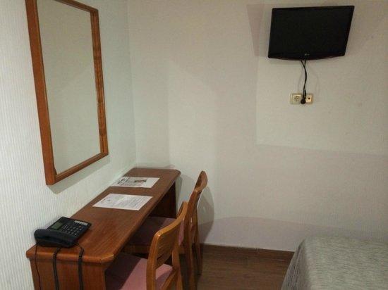 Hotel Cortes: Camera1