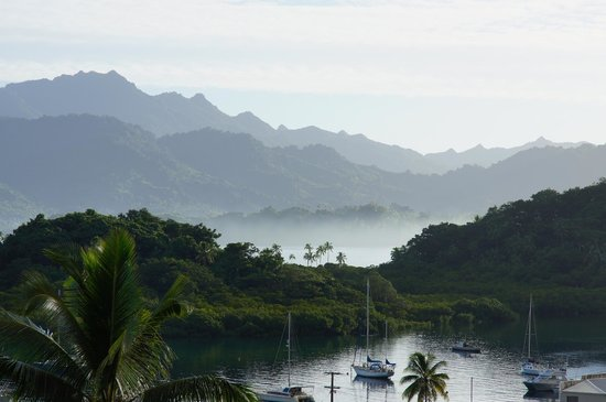 Savusavu Hot Springs Hotel: Early morning harbor view