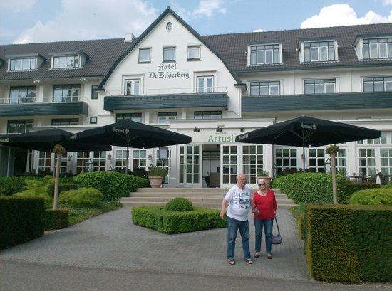 Hotel De Bilderberg : voorzijde van het hotel