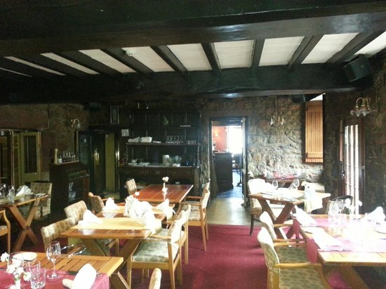 The Old Court House Inn: Dining