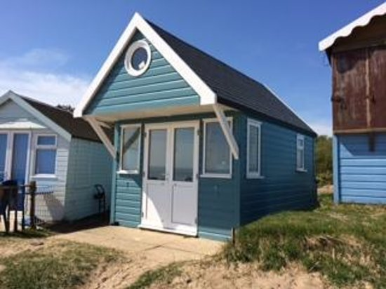 Beach House Cafe: Surrounding £200,000 beachhuts
