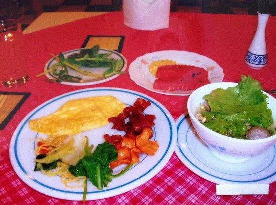 Ta Prohm Hotel : Breakfast. 朝食!