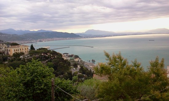 Il Melograno in Costa d'Amalfi: veduta panoramica sul golfo di Salerno