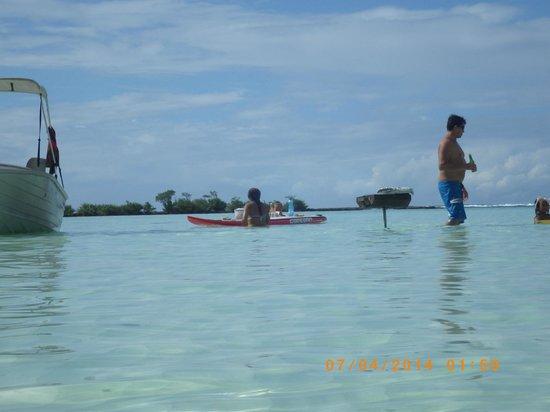 Coco beach : Déjeuner sur l'eau autour du Motu