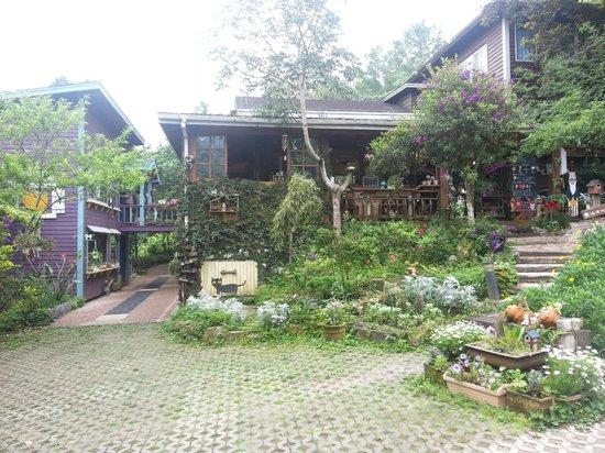 Nanchuang Ganlanshukafei: Entrance