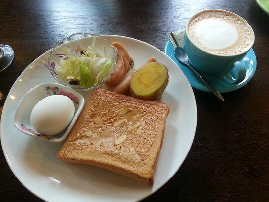 Nanchuang Ganlanshukafei: Breakfast