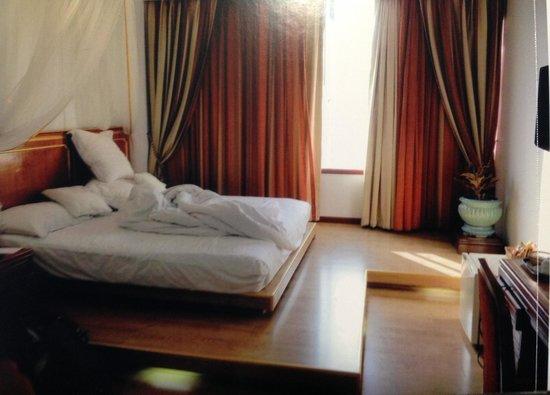 The Tawana Bangkok: Room. 部屋!