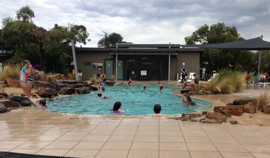 Anglesea Beachfront Family Caravan Park: Swimming Pool