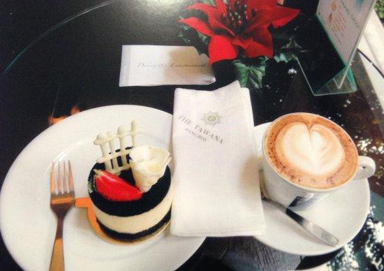 The Tawana Bangkok : Cafe.タワナホテル カフェにて!