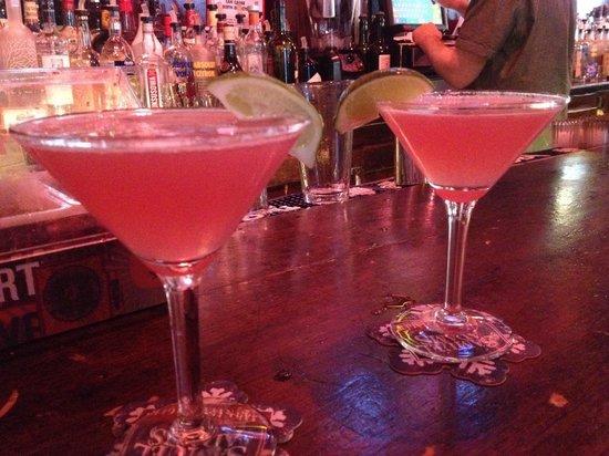Hi-Life Bar & Grill: Cosmo !