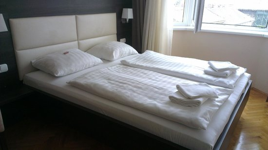 Medosz Hotel: The beds are a bit small