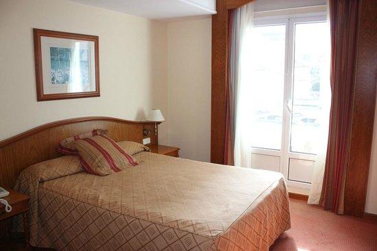 Hotel Hoyuela : habitacion