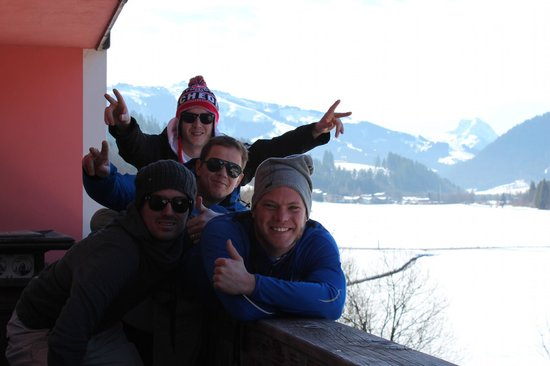 Hotel Alaska: team