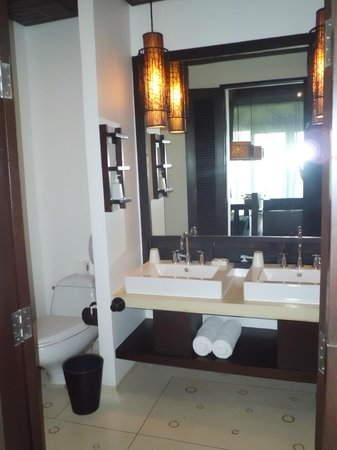 The Vijitt Resort Phuket : bathroom
