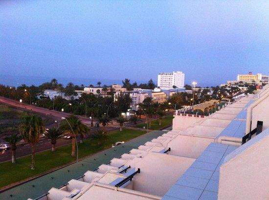 Palm Garden Apartments: Vista stanza 631