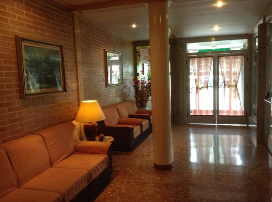 Park Hotel: hall