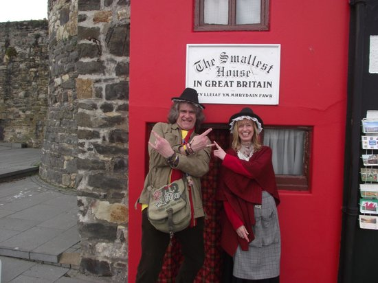 Smallest House in Britain: Wolfie and the Welsh Lady having a little fun