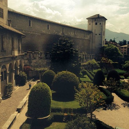 Castello del Buonconsiglio Monumenti e Collezioni Provinciali : Giardino interno