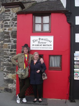 Smallest House in Britain: Wolfie and Janet giving a perspective of the house