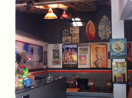Island Nook Hotel Boracay: front desk and common area