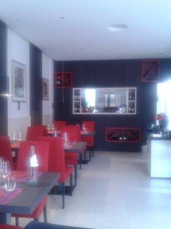L'Utopia Brunch Restaurant: L'Utopia (sala ristorante con cucina a vista)