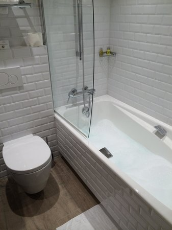 Le 123 Sebastopol - Astotel: Bathroom room 524