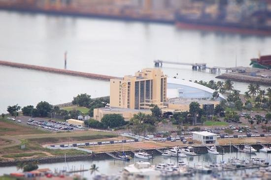 The Ville Resort-Casino: jupiters hotel and marina