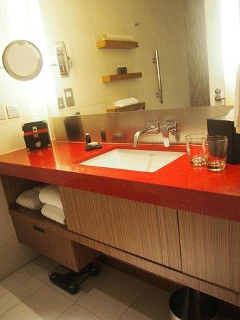 Hard Rock Hotel Macau : bathroom