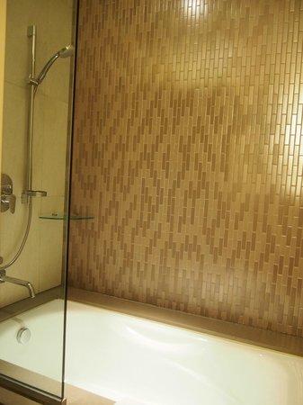 Hard Rock Hotel Macau : tub