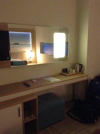 Blue Bay Platinum Hotel : room