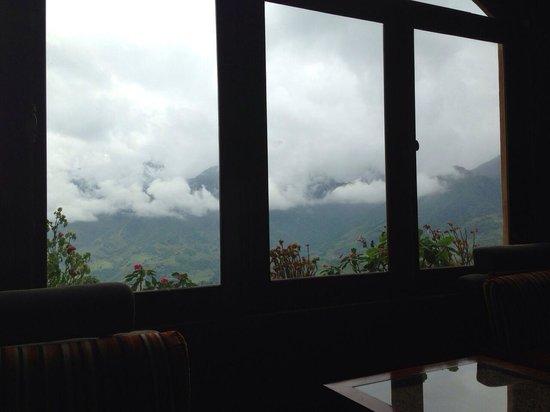 Chau Long Sapa Hotel: view from reception area
