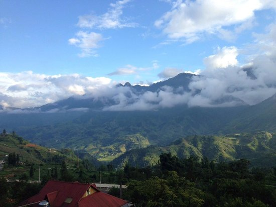 Chau Long Sapa Hotel: view from room's private balcony