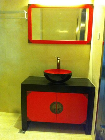 bathroom at sofu hotel